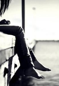 girl-alone-lonely-loneliness-beach-favim-com-463157